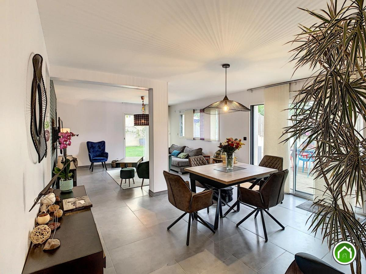 SAINT-THONAN : ravissante maison BBC avec 4 chambres, terrasse et jardin clos sous garantie