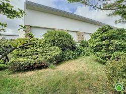 BREST : en impasse, belle maison T6 de plain-pied avec sous-sol complet et joli jardin arboré