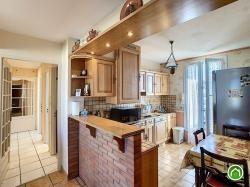 BREST : joli et lumineux appartement deux chambres au dernier étage avec garage