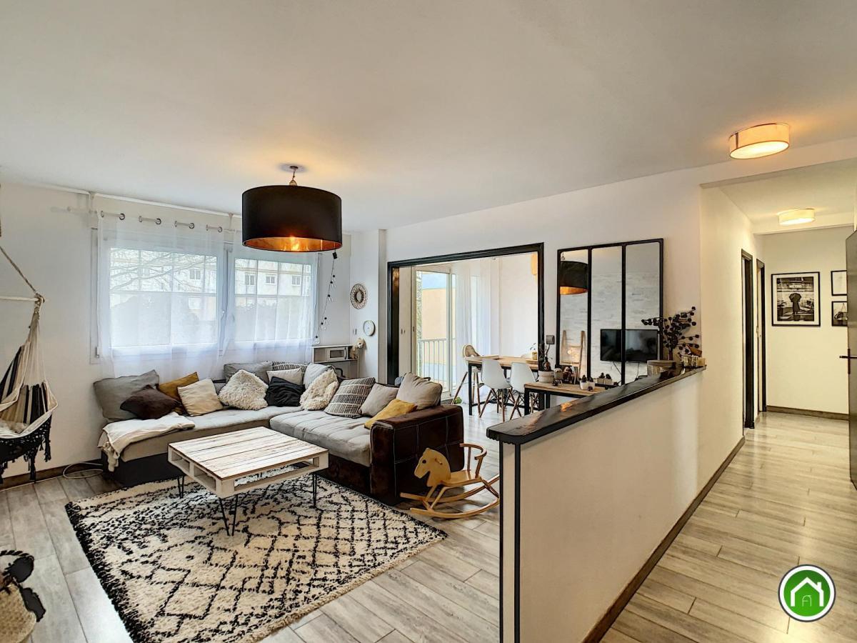 BREST : ravissant appartement t4/5 de 90m² avec balcon et parking privatif