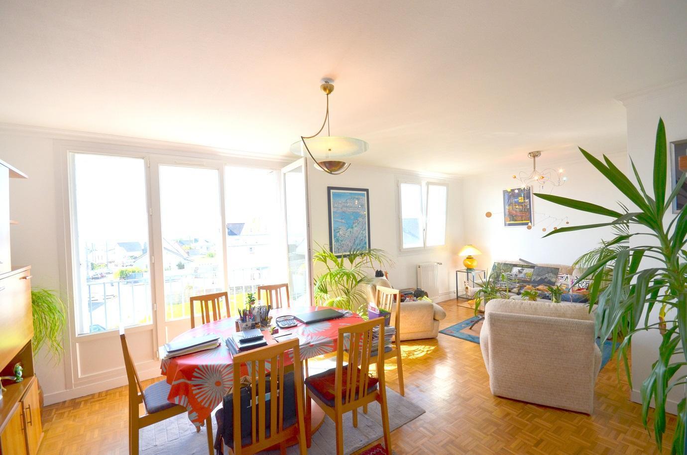 BREST : bel appartement 3 chambres sans vis-à-vis et avec vue dégagée sur la rade