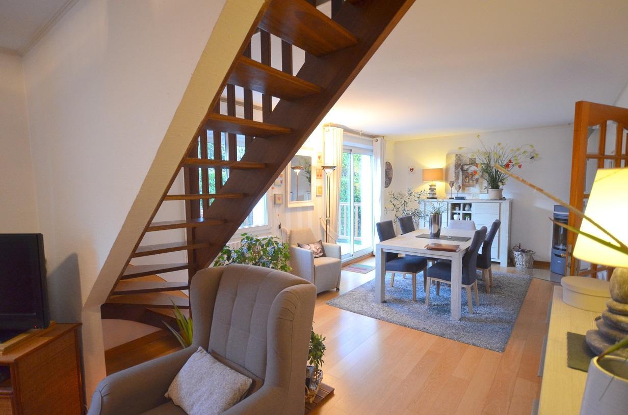 BREST : jolie propriété avec maison quatre chambres, sous-sol, terrasse et jardin clos