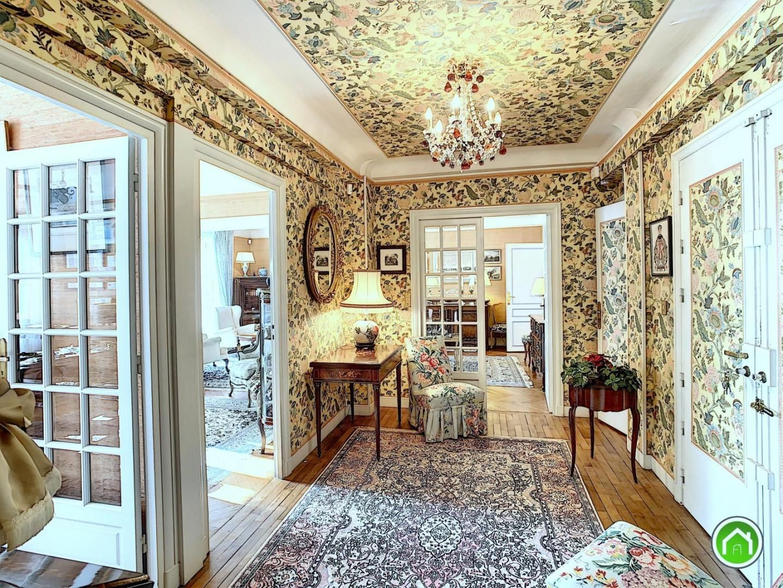 COURS DAJOT-SIAM : charmant appartement bourgeois T6/7 de 151m² avec garage