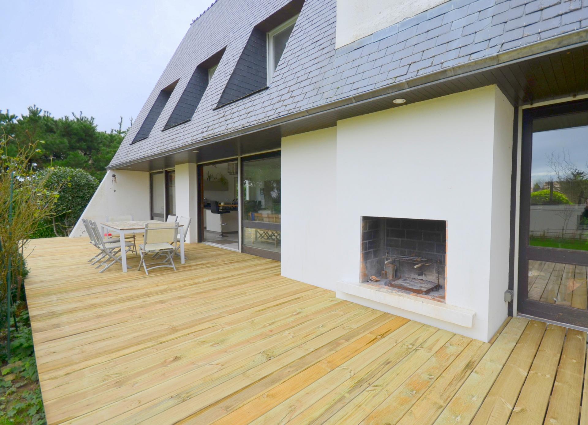BOHARS : superbe propriété 5 chambres, grande terrasse et 2200m² de terrain