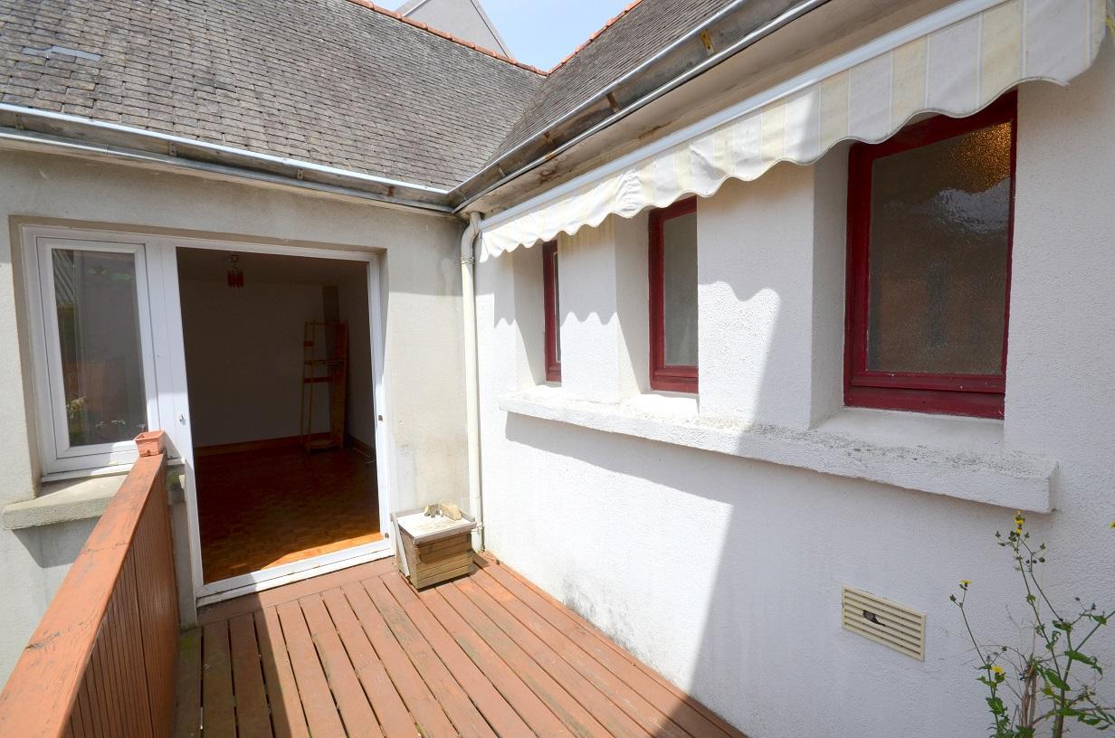 Maison de ville 3 chambres, avec terrasse et garage fermé