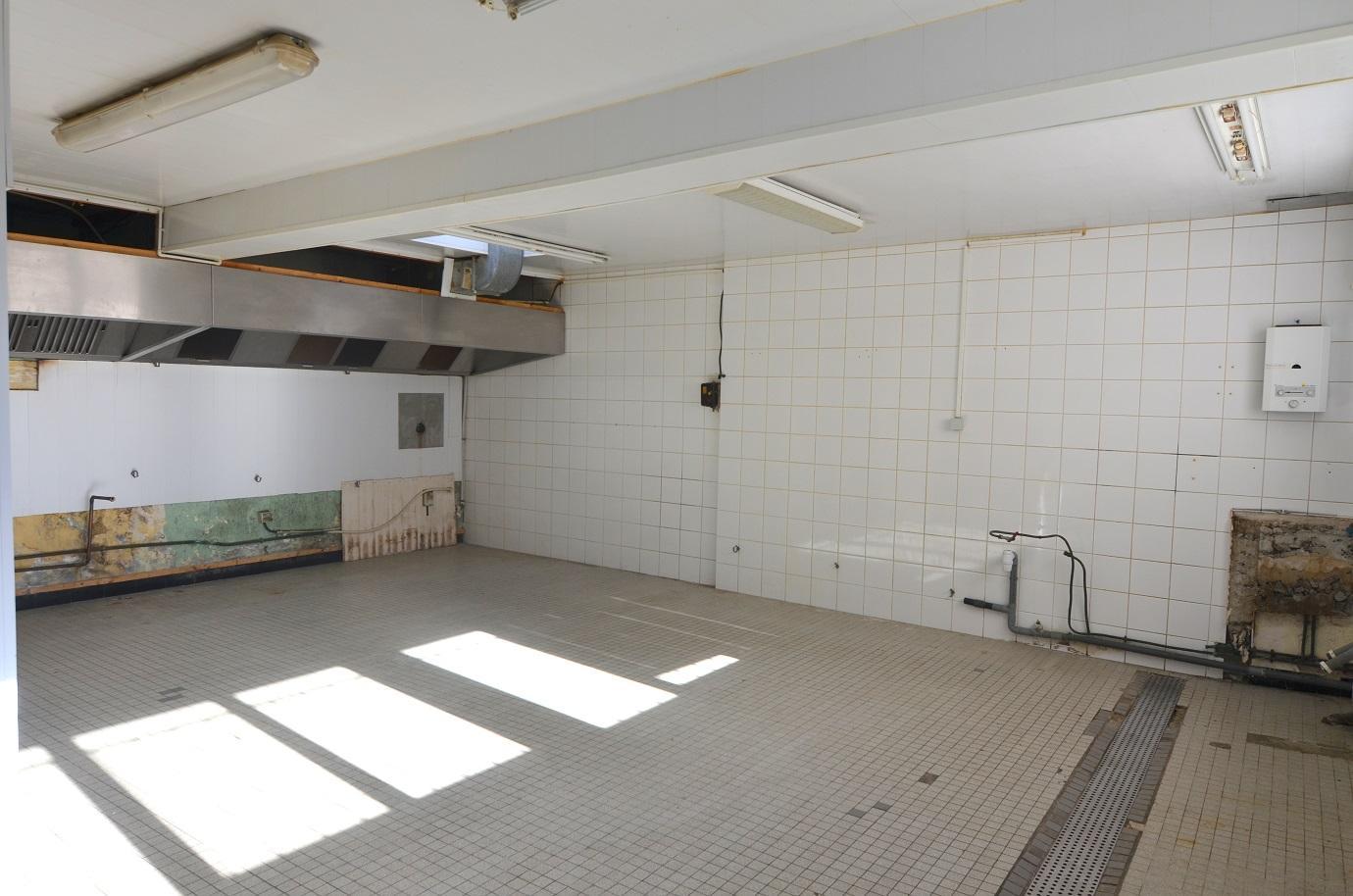 BREST : Plateau de 120m² à rénover pour investisseurs dans une petite copropriété
