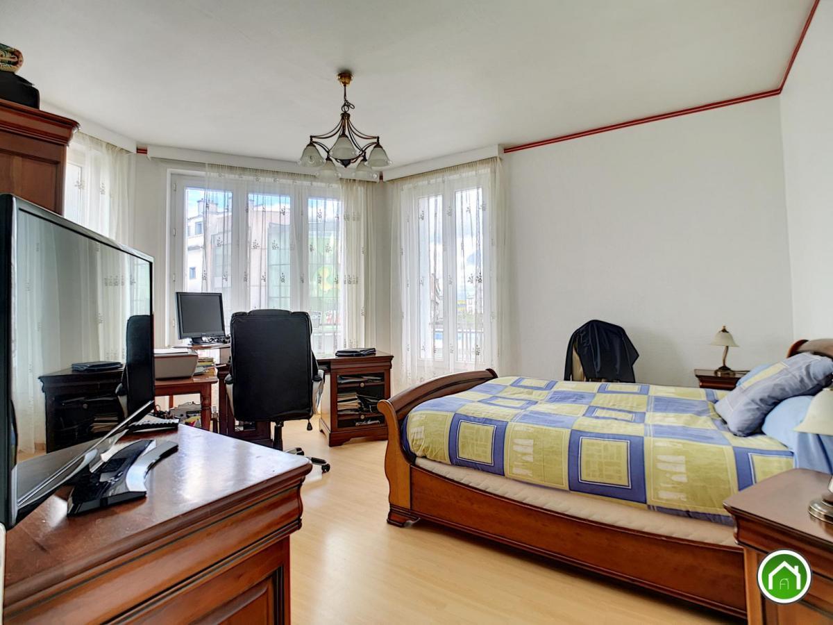 BREST HYPER CENTRE : Appartement T4 90m2 en dernier étage