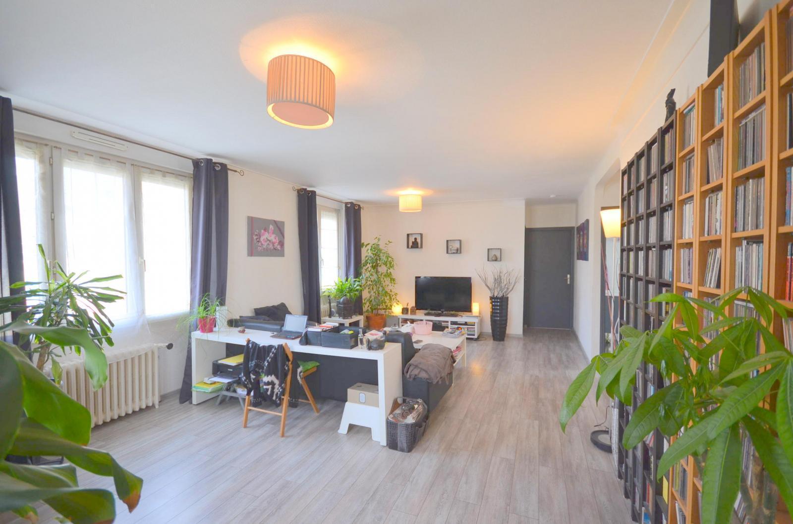 BREST LAMBE: très jolie maison rénovée de 130m² avec garage et jardin clos