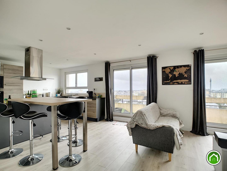 BREST : très bel appartement de 76m² avec ascenseur, grand balcon, jolie vue rade