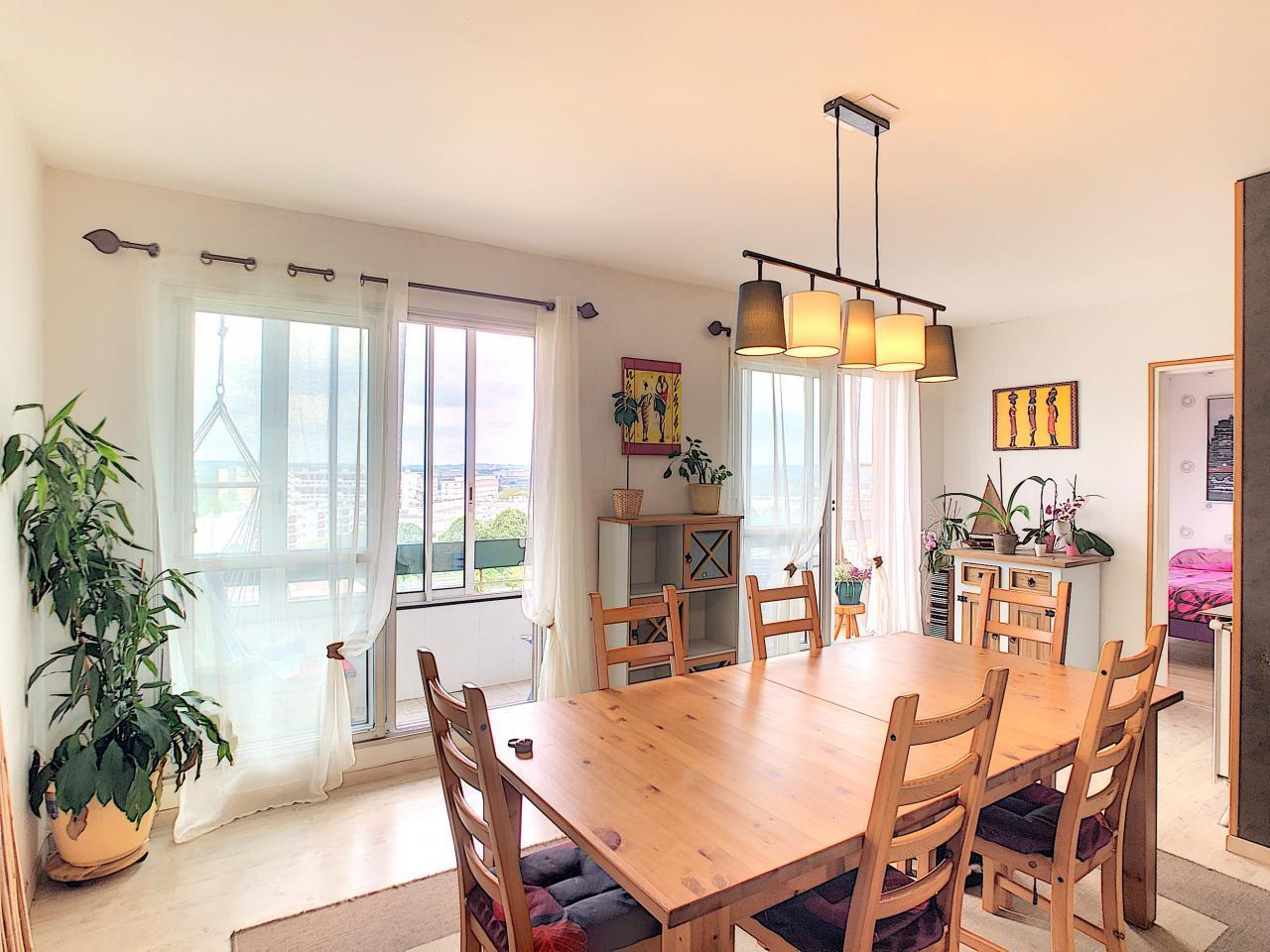 BREST : agréable appartement T4/5 avec jolie vue dégagée et sans vis-à-vis