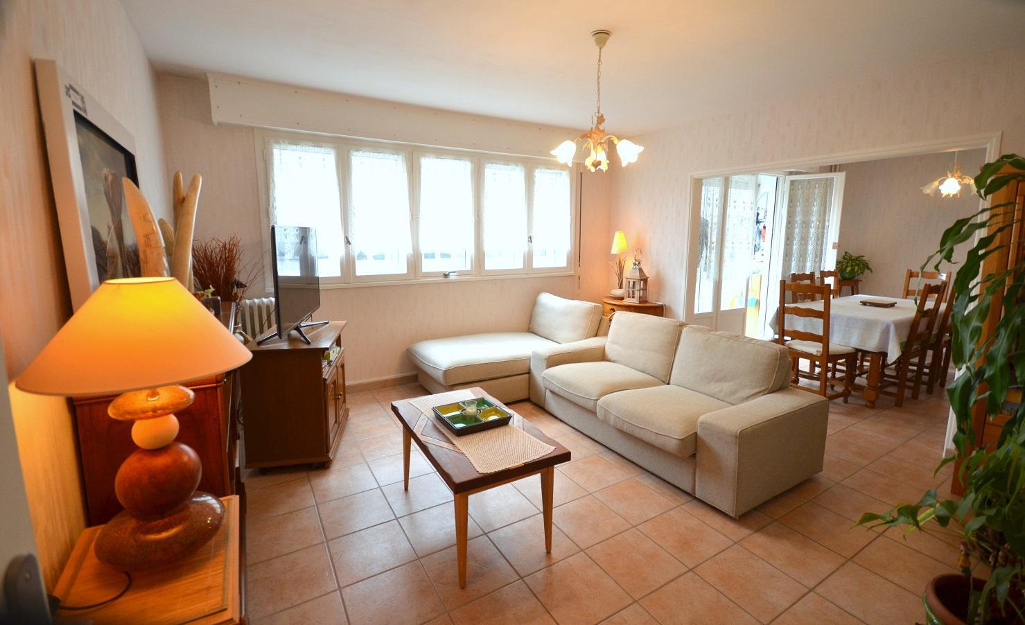 BREST: en impasse, bel appartement de 97m² avec 3 chambres et balcon fermé