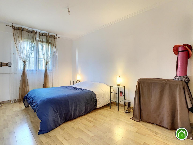 BREST : bel appartement t4/5 de 90m² avec balcon et garage fermé
