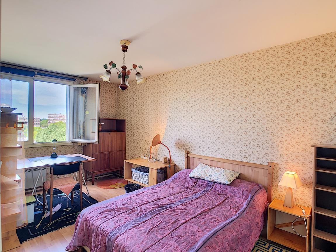 BREST : ideal investisseur, joli appartement T2 meublé + parking privé