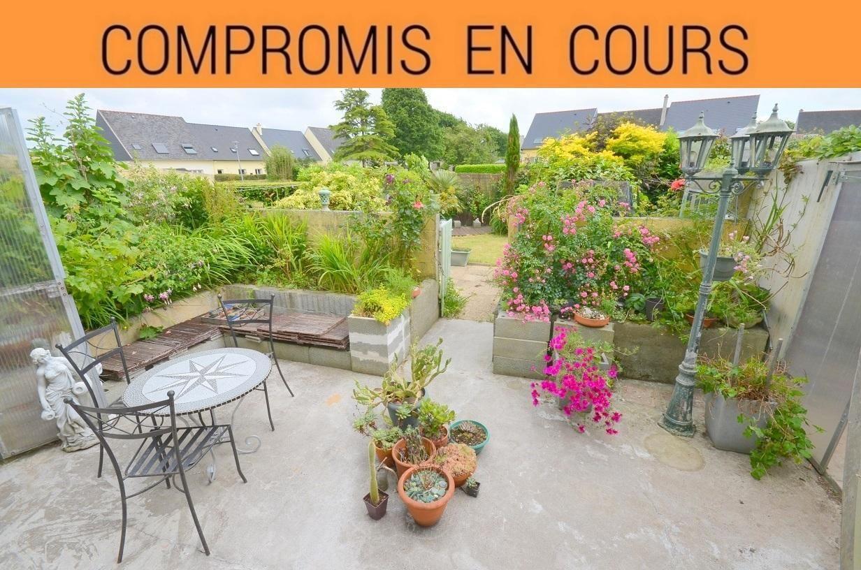 GUILERS: Opportunité, maison 4 chambres avec joli jardin clos