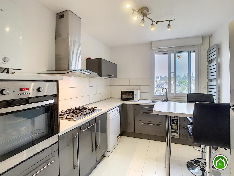 BREST : bel appartement lumineux t4/5 de 100m² avec balcon