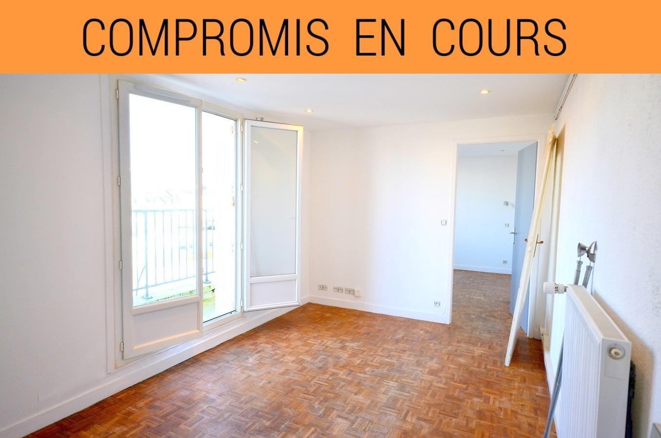 BREST : agréable appartement au dernier étage avec balcon sans vis-à-vis