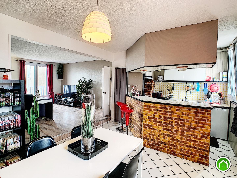 CENTRE-VILLE : agréable appartement T3 au troisième et dernier étage