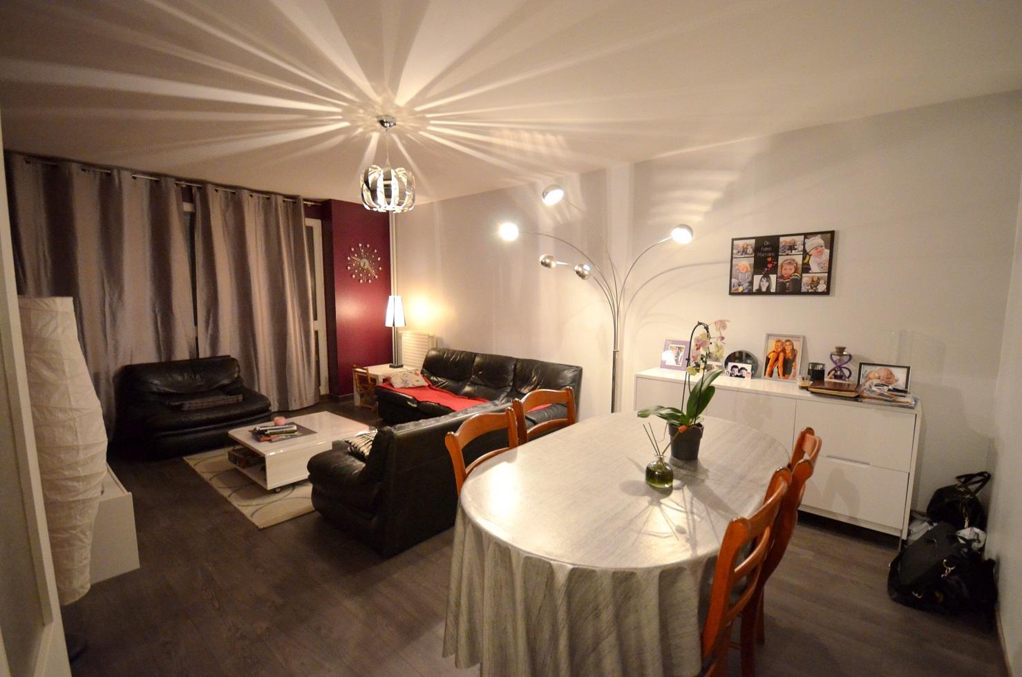 BREST: ravissant appartement deux chambres avec balcon et parking couvert privé