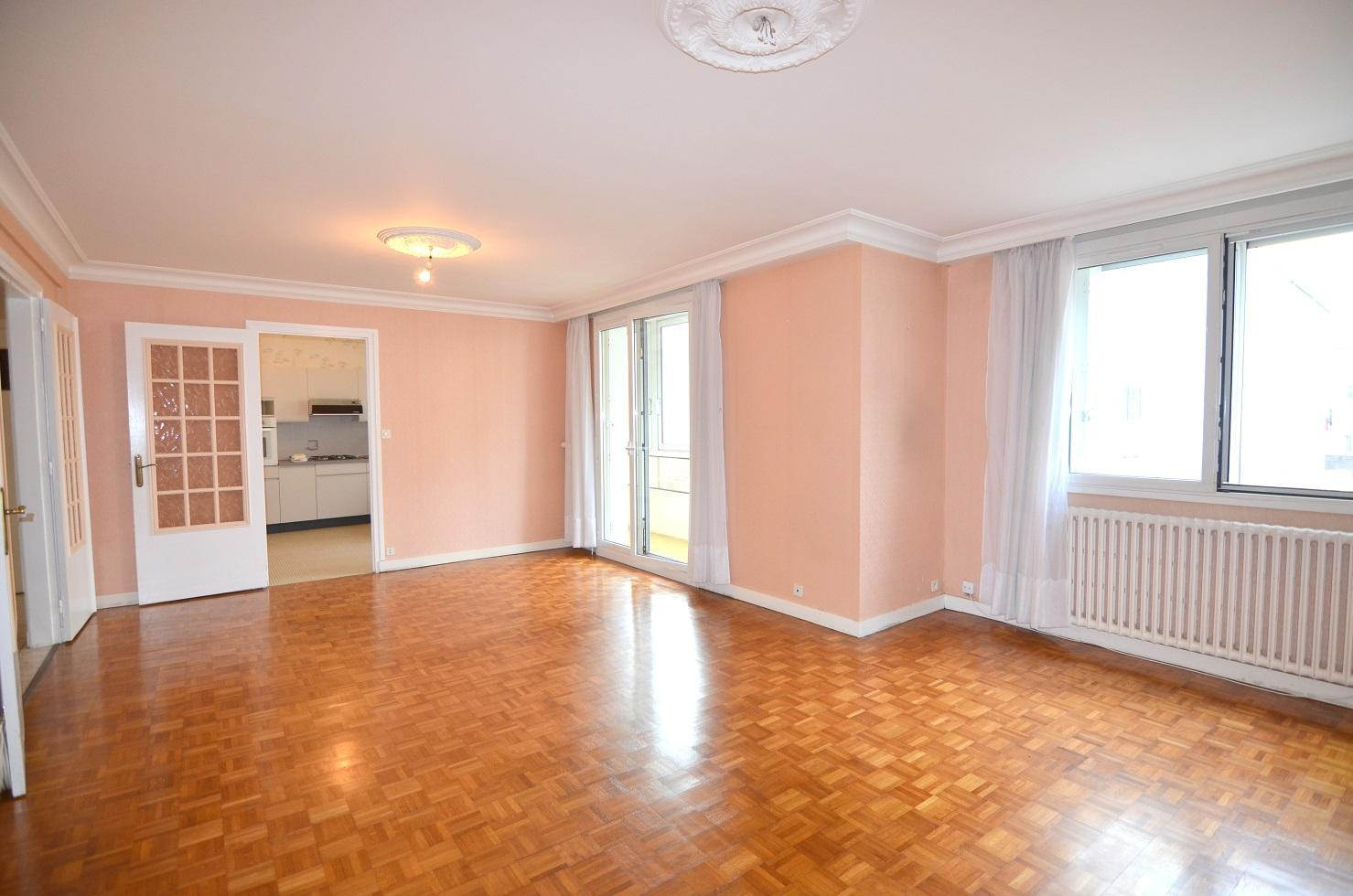 BREST : ravissant appartement 3 chambres avec véranda et balcon