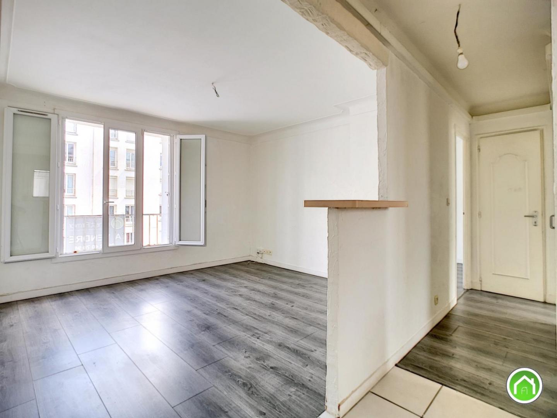 BREST : lumineux appartement deux chambres dalle béton à rénover