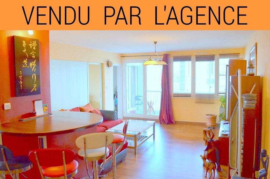 BREST: investisseur, superbe appartement avec 3 chambres, grands balcons et 2 parkings