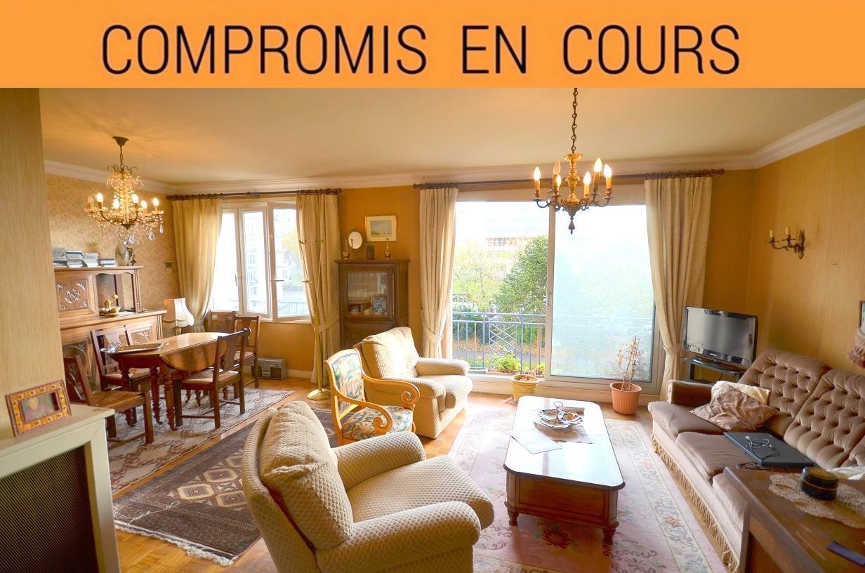 BREST HYPER CENTRE: agréable appartement t3 avec balcon sans vis-à-vis