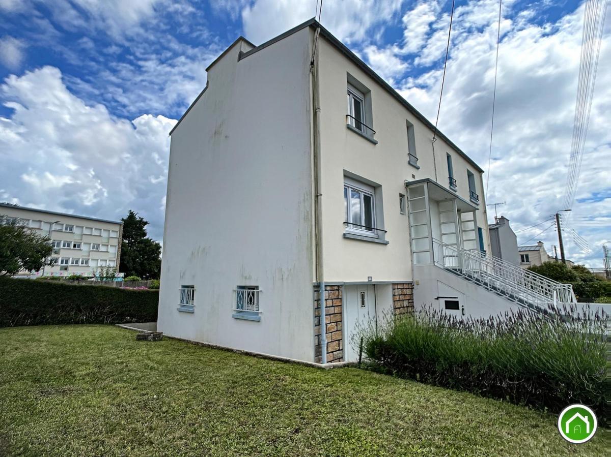 BREST : jolie maison T5 avec 3 chambres, sous-sol et jardin clos